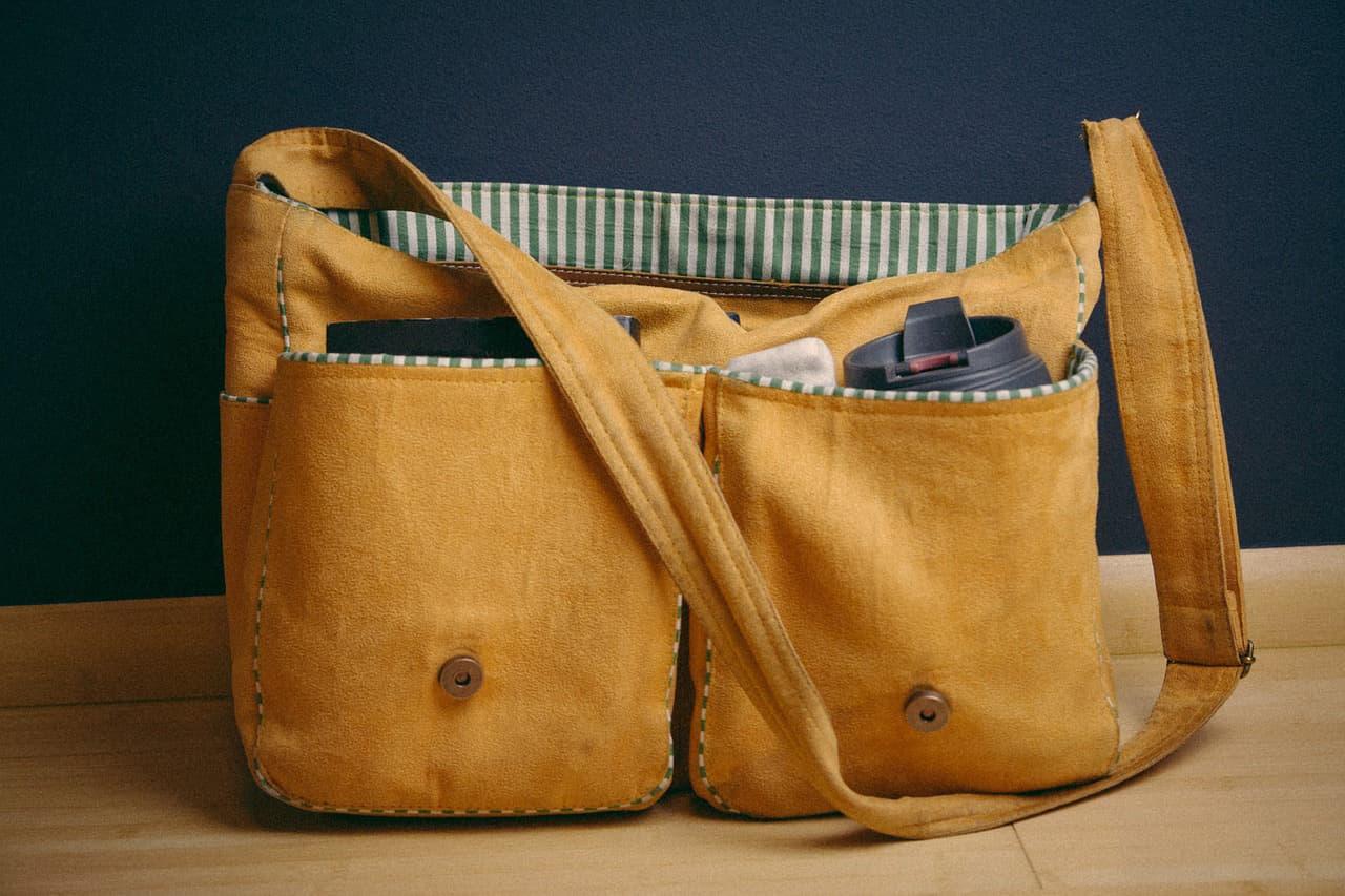 satchel-925459_1280
